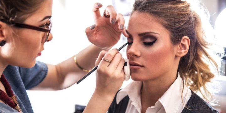 sxoli-makigiaz-makeup